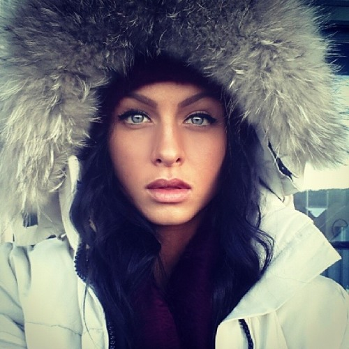 Elizabeth Lasseter's avatar