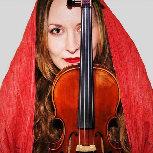 Reina Rodina's avatar