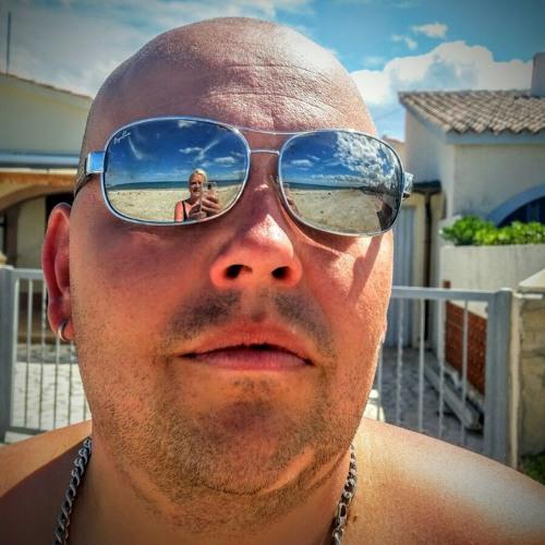 Andreas Stroinski's avatar