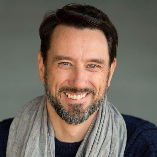 VoicesByPaul's avatar