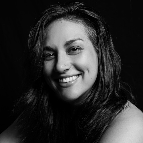 Laura Ivancie's avatar