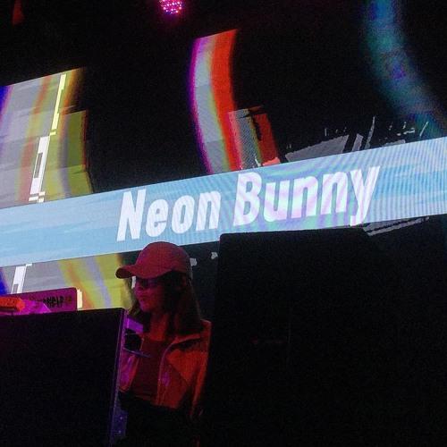 Neon bunny's avatar