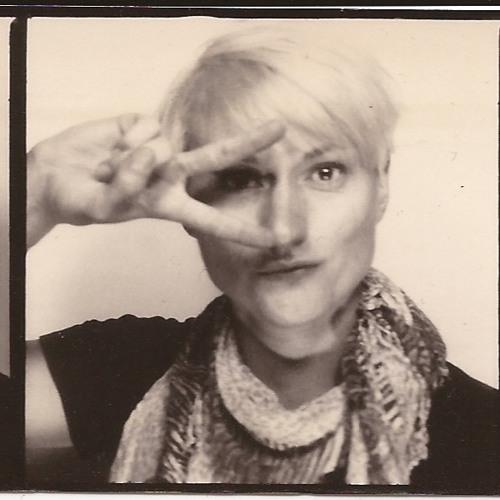 Karla Oz's avatar
