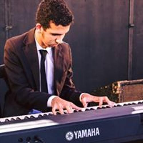 Luiz Martinelli's avatar