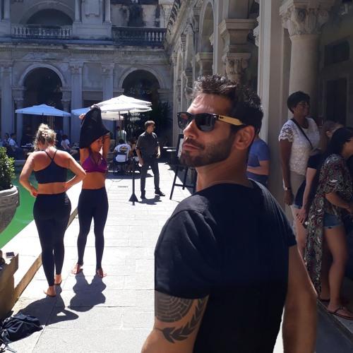 Raphael Garanhani's avatar