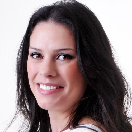 Flavia Chaves's avatar