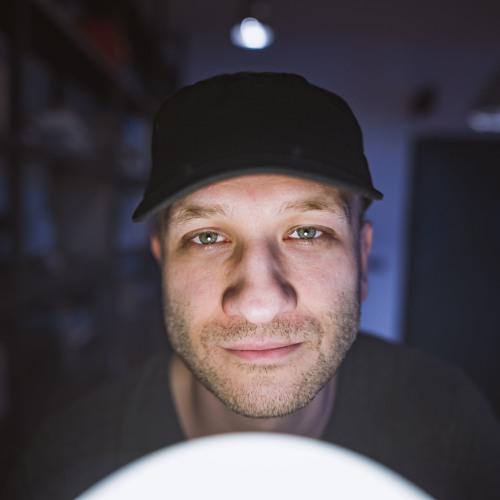 Tom Bug's avatar