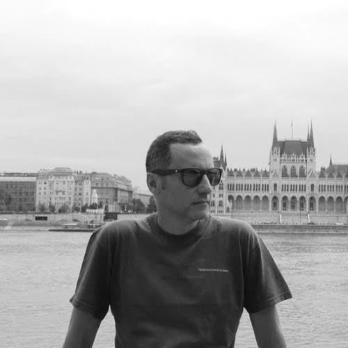 Luis Amor's avatar
