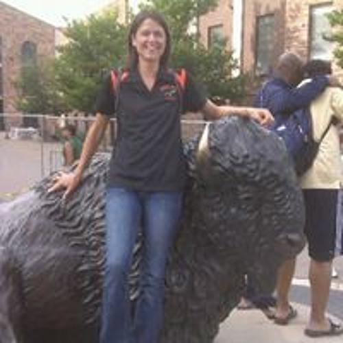 Suzanne Williams's avatar