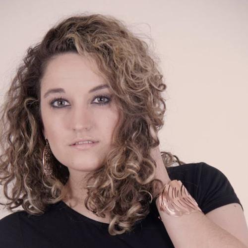 Luiza Daniela Miño's avatar