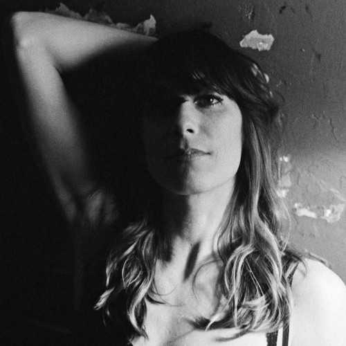 Nicki Bluhm's avatar