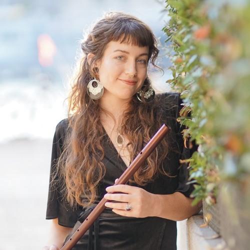 Mara Winter's avatar