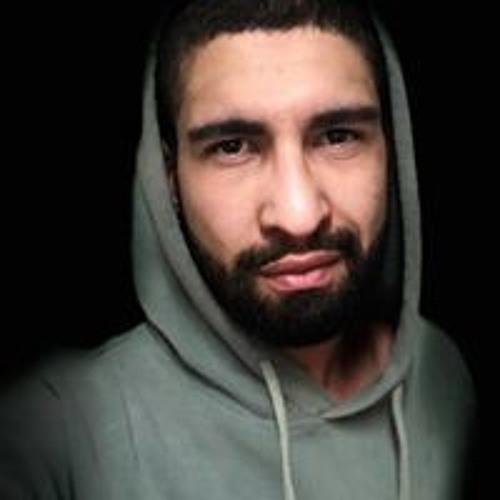 Lucas Mazzei's avatar