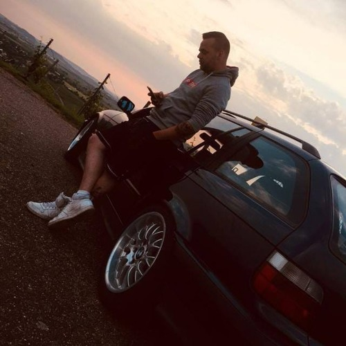 Sebastian De Bub's avatar