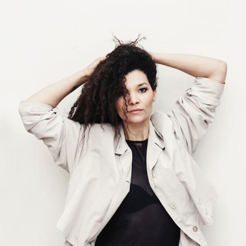 Sandra Bourdonnec_Voice Actress & Singer's avatar