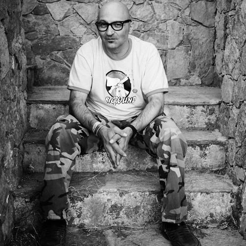 Gabriel Le Mar's avatar