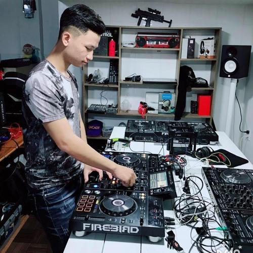 Ku Anh's avatar