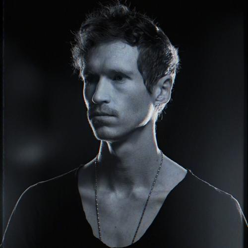 LOUIS COLE's avatar