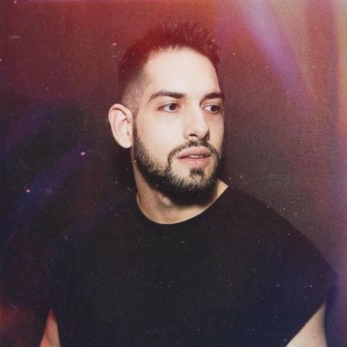 LUIS F's avatar