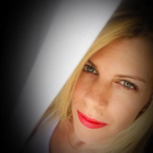 Elena Nikol's avatar
