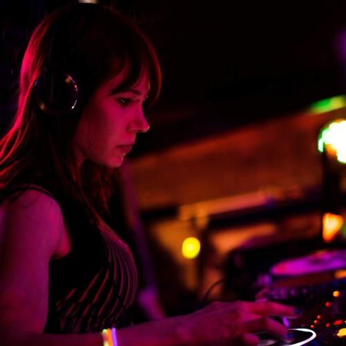 DJ Heartray's avatar