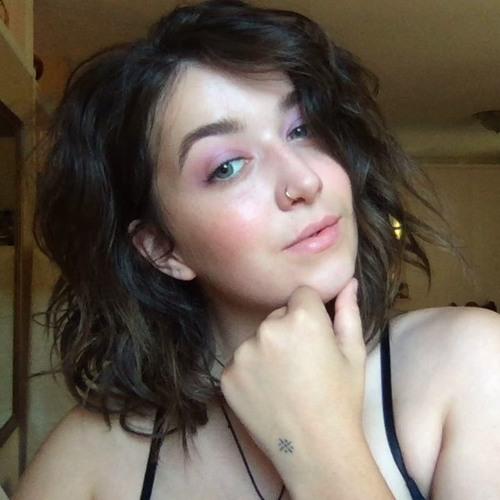 Lorelou's avatar
