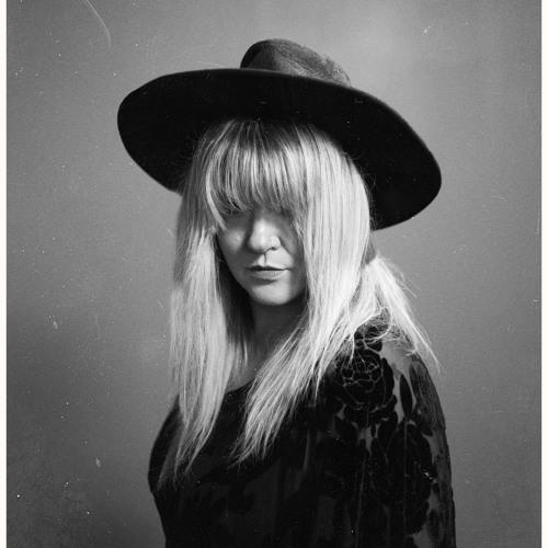 Kari Arnett's avatar