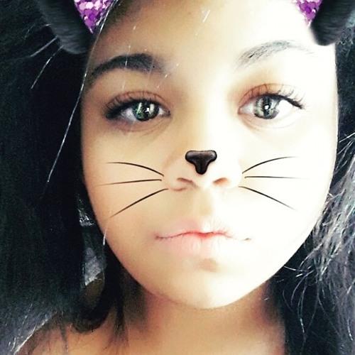 Alexia Paiva's avatar