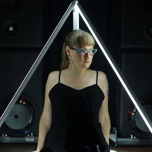 Queen Plz's avatar