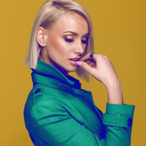 Ramona Nerra's avatar