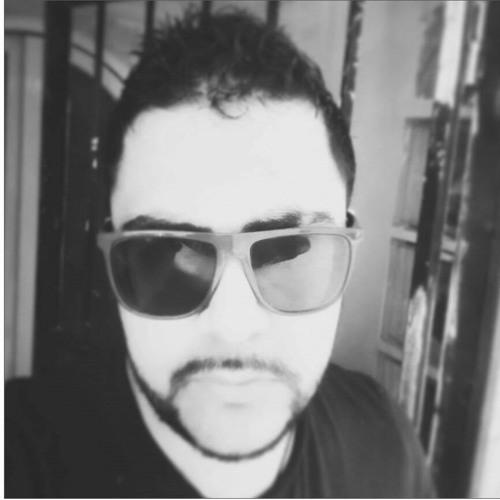 Amir Kharma's avatar