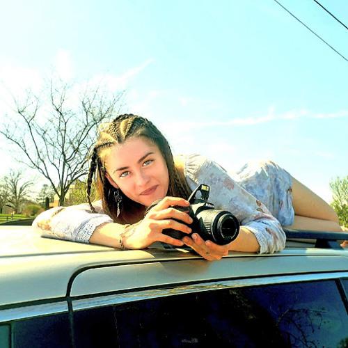 Amara Nadwornik's avatar