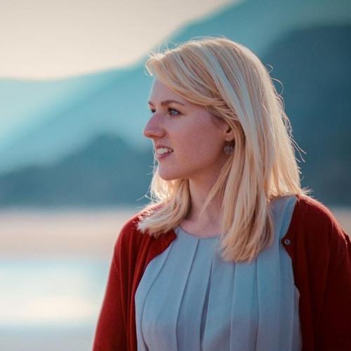 April Shipton's avatar