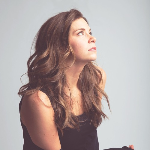 Michelle Lewis's avatar
