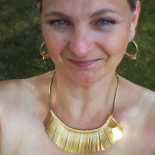 Mary Madalene's avatar