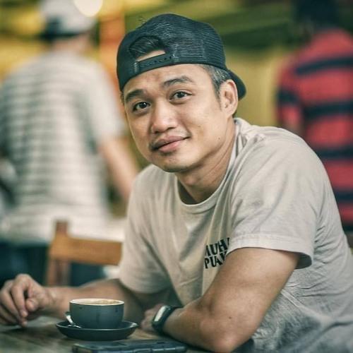 Michael Chen's avatar