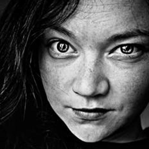 Emelia Fowler's avatar