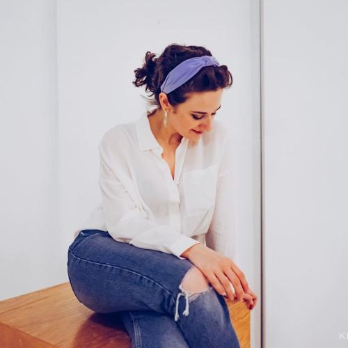 Girl Blue's avatar
