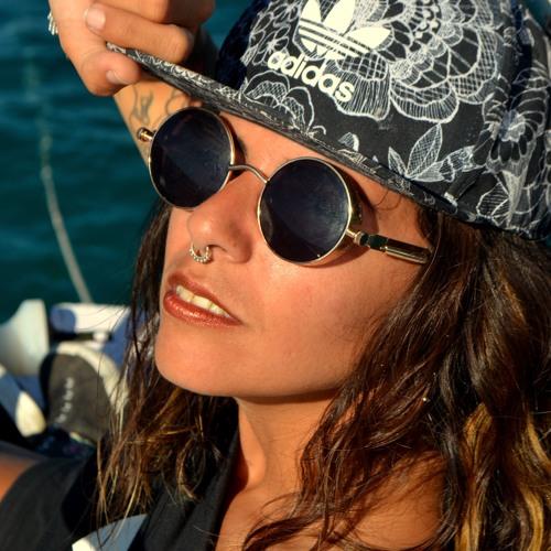 Eleana De Santo's avatar