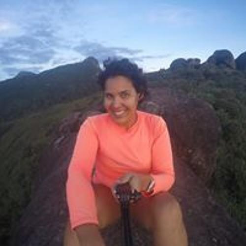 Luciana Assis's avatar