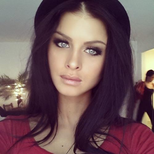Nadine Shaw's avatar