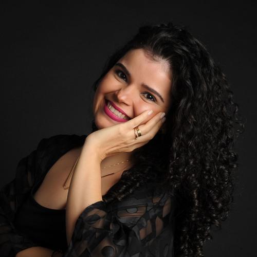 Maly Motta's avatar