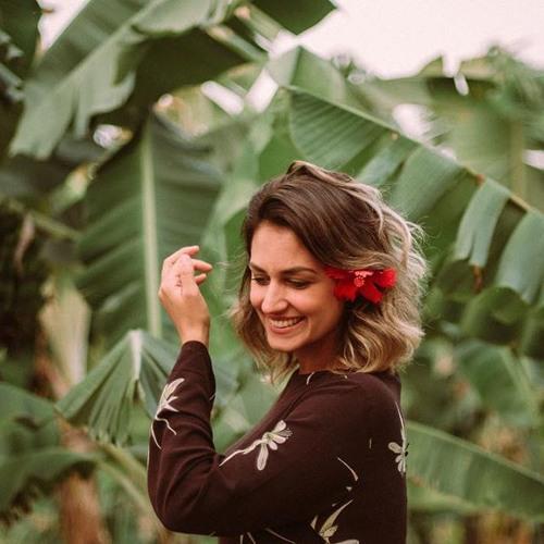 Clara Gomes  Alves's avatar