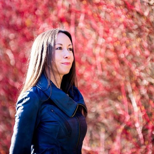 Helen MacKinnon's avatar
