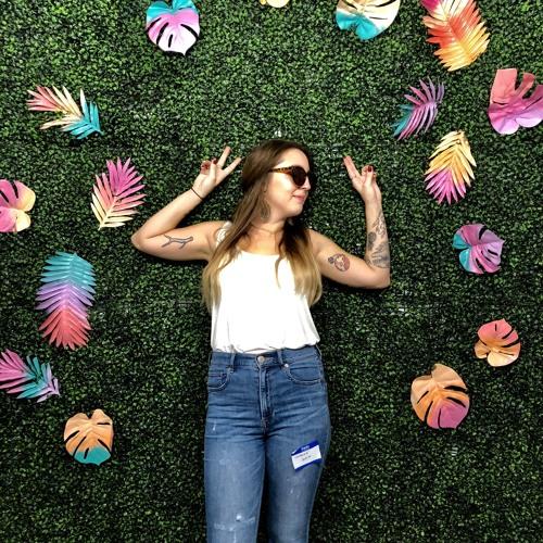 Sara Loretta's avatar