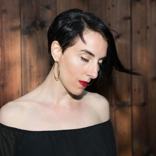 Milena Buzzo's avatar