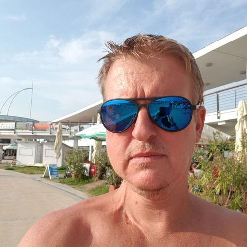 Zoltán Tóth 59's avatar