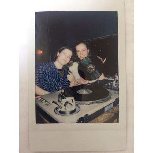 Buena Sara & Davida Jetta's avatar