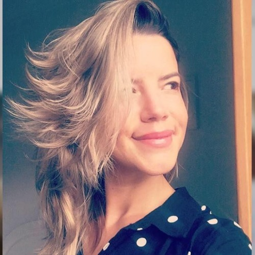 Debora Azevedo's avatar