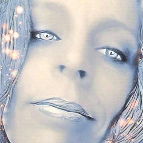 Cyn Dee Adams's avatar